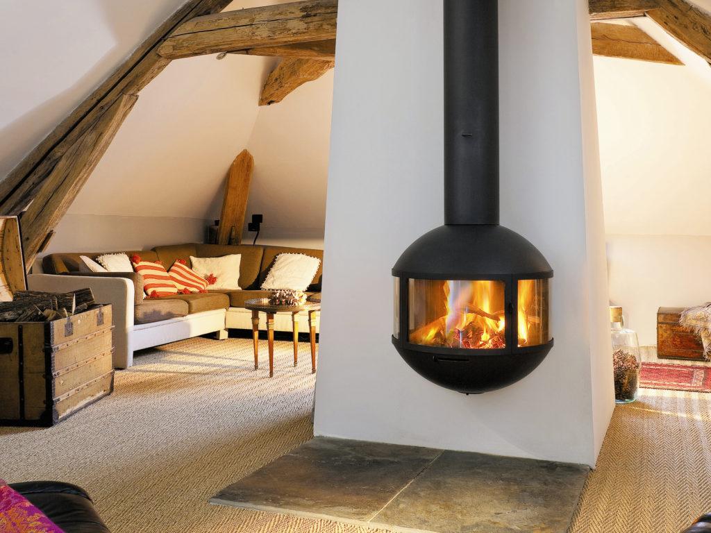 mod le cheminee suspendue focus tarif. Black Bedroom Furniture Sets. Home Design Ideas