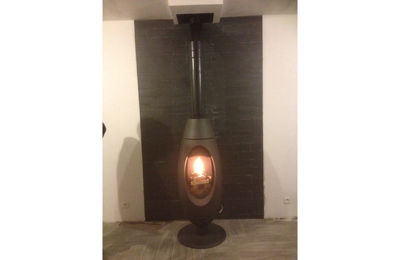 poele fonte ove. Black Bedroom Furniture Sets. Home Design Ideas
