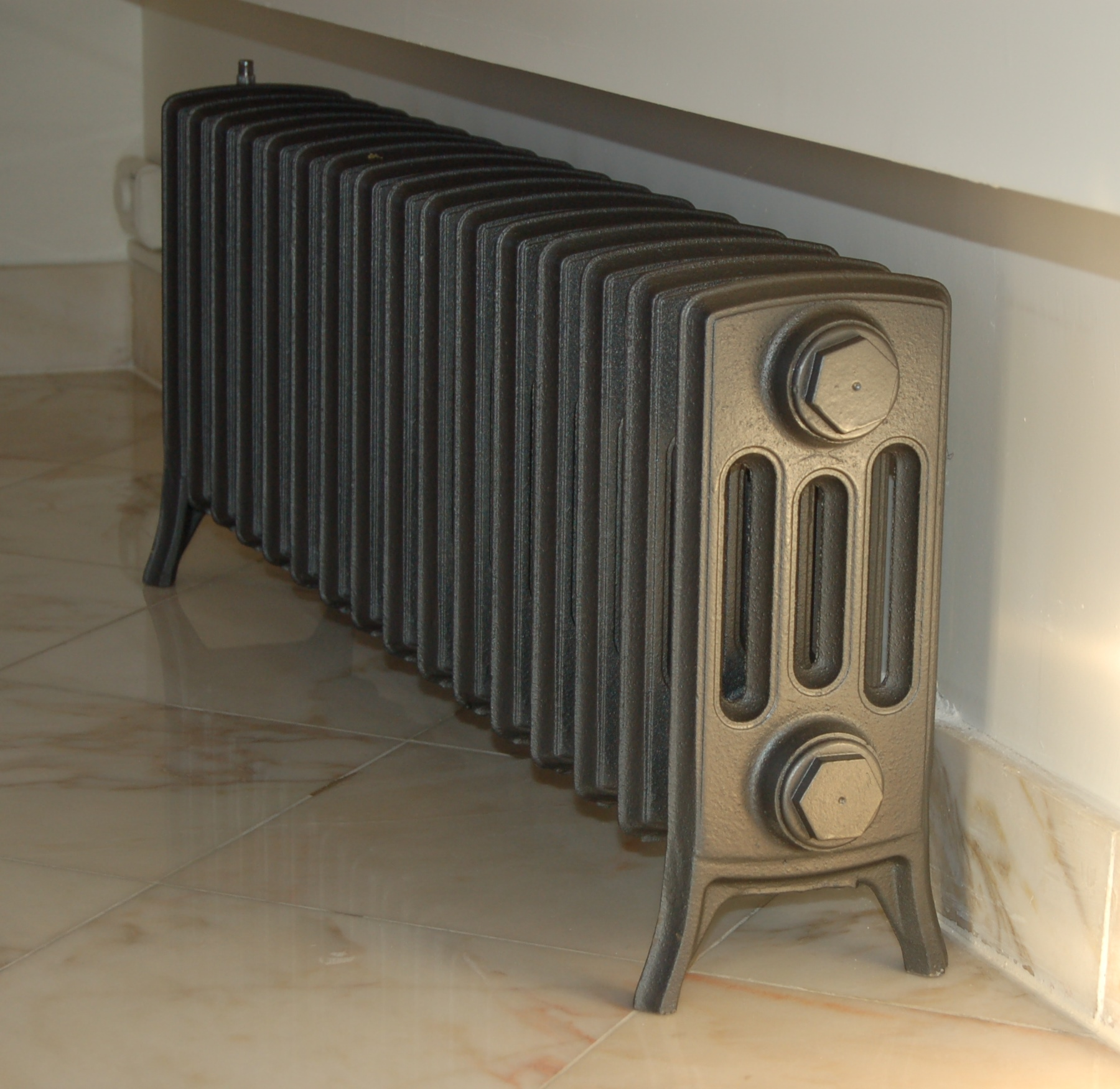 visuel radiateur fonte electrique. Black Bedroom Furniture Sets. Home Design Ideas