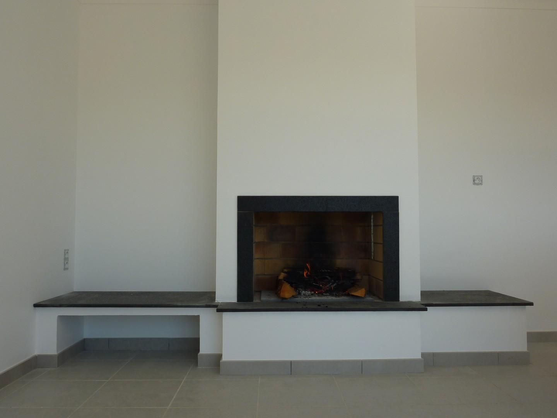visuel cheminee foyer ouvert contemporaine. Black Bedroom Furniture Sets. Home Design Ideas